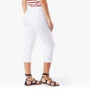 AnnTaylor LOFT modern crop white Capri jeans